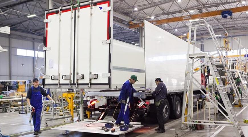 Novo semi-reboque frigorífico produzido pela Schmitz Cargobull