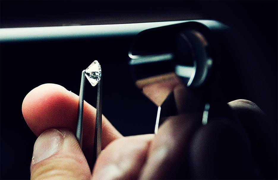 Tiffany aposta na transparência de diamantes