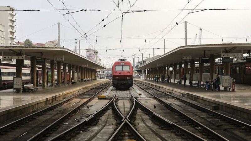 CP analisa propostas de fornecimento de comboios