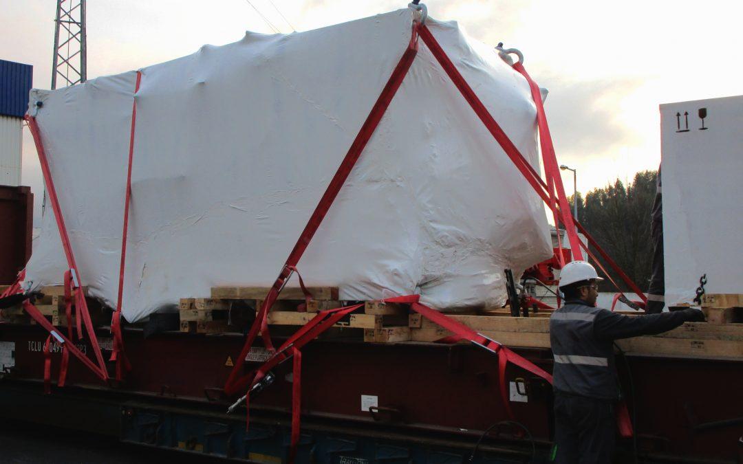 Rangel transporta prensa de 40 toneladas para os EUA