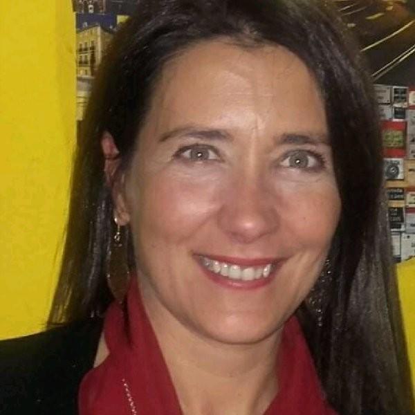 Carla Ana Santos