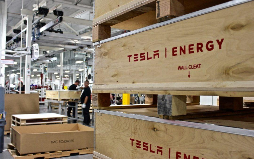 Tesla anuncia escassez de metal para baterias de lítio