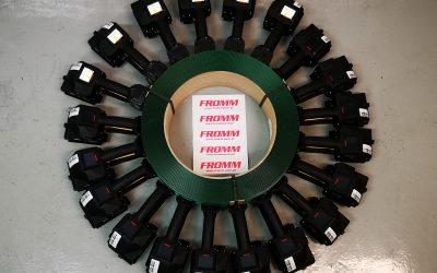 FROMM entrega 20 máquinas de cintar digitais