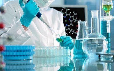 Indústria farmacêutica procura atingir produção de 10 mil milhões de vacinas em 2021